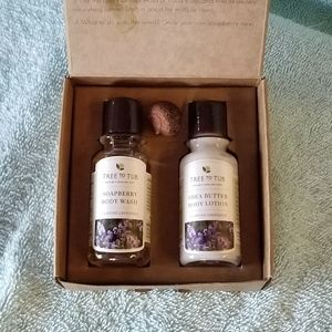 TREE TO TUB LAVENDER SOAPBERRY BODY WASH AND LOTIO
